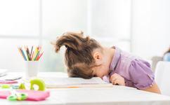 Copilul tau are prea multe teme?