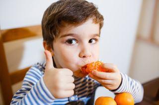 Vitamina C le poate face copiilor mai mult rau decat bine! Cum o folosim CORECT