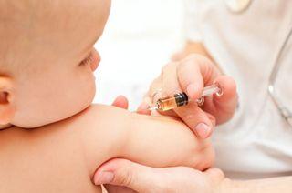 Top 7 vaccinuri esentiale pentru bebelusi