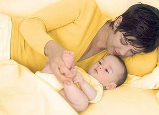 Scapa de iritatiile de scutec si fa-ti bebelusul fericit cu Weleda!