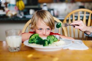 Patru comportamente ale copiilor care ar trebui sa-i ingrijoreze pe parinti