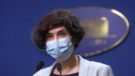 """Medicul Andreea Moldovan: """"90 de copii internati in spitale cu COVID, iar 5 sunt intubati"""""""
