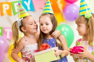 O luna de distractie pentru copilul tau, gratuit!