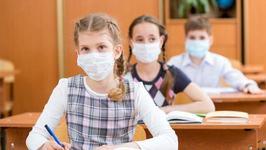 """Un tata din Iasi nu vrea ca fiica lui sa poarte masca la scoala: """"Este un act de tortura"""""""