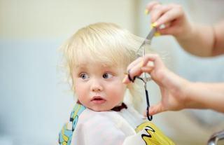 Cauzele caderii parului la copii