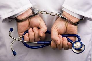 Medic pediatru acuzat ca ar fi abuzat 95 de pacienti