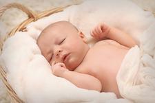 Sughitul la bebelusi: de ce apare si cand poate deveni periculos