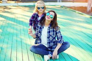 Studiu: Mamele milenare cresc copii fericiti si mai puternici