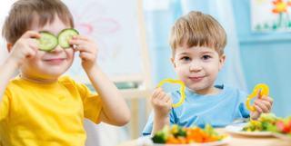 Medic pediatru: Copiii ajung sa aiba dereglari intestinale pentru ca mamele sunt lenese