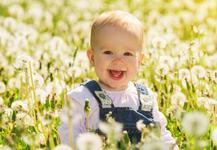 6 motive pentru care bebelusii nascuti in aprilie sunt deosebiti, potrivit stiintei