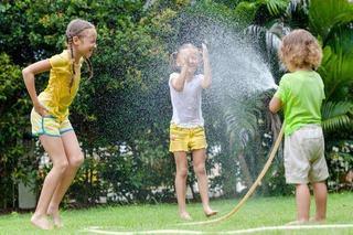 7 jocuri cu apa pentru distractia de vara a copiilor