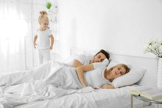 De ce se trezesc copiii devreme in weekend