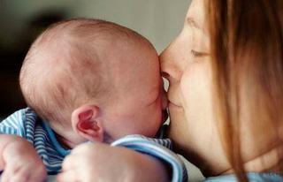 Masajul bebelusilor nascuti prematur