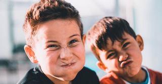 Studiu: Sa iti inveti copilul sa injure este chiar un lucru bun