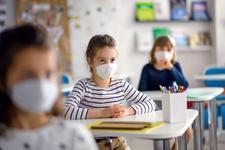 Ungaria redeschide scolile dupa o campanie de testare in masa a angajatilor din invatamant