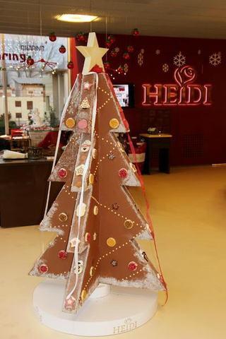 Cel mai mare brad de ciocolata din Romania, creat la Heidi ChocoWorld