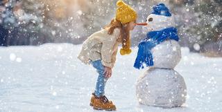 Incepe vacanta de iarna pentru elevi si prescolari. Cand vor reveni la scoala