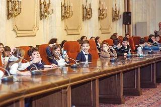 Copiii au sustinut in Parlament proiectul de lege 1 Iunie Zi libera la nivel national