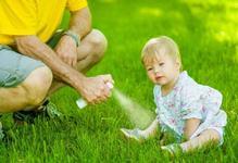 Atentie la spray-urile din plante contra insectelor! Ce este FITOFOTODERMATITA si cum apare?