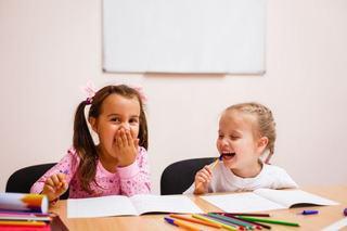Studiu: Minciunile fac copiii mai destepti