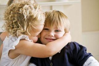 Cum sa cresti copii care se iubesc