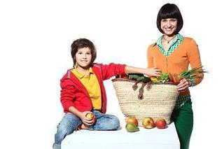 Cum sa te simti ca un rege sau ce-i ofera legumele, fructele si sucurile copilului tau!