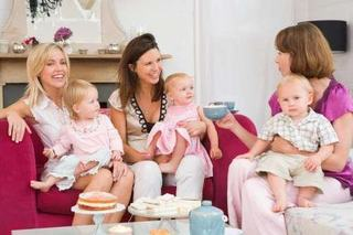 Socializare. Cum sa te imprietenesti cu alte mamici