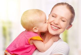 Sigur le-a inventat o mama. 5 lucruri care iti fac viata mult mai usoara cand ai un bebelus