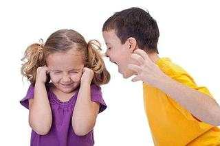Hiperactivitatea, agresivitatea si auto-agresivitatea la copii