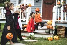 Halloween la patrat. Americanii vor si o Zi Nationala a Colindatului