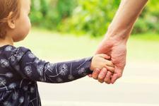 Daca vrei sa fii un tata bun, pune-ti familia pe primul loc!