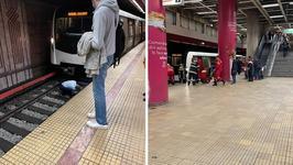 O adolescenta s-a aruncat in fata metroului, la statia Piata Unirii. Care este starea tinerei