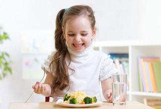 Stiai ca dieta copilului tau ii influenteaza performanta scolara?