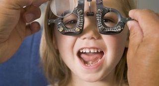 Controlul ochilor, obligatoriu la copii