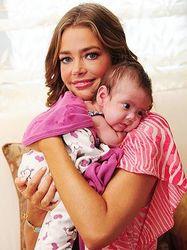 Bebelusi de vedete: primele lor poze