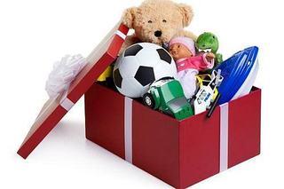 Fiecare jucarie poate aduce bucurie, campanie de Craciun pentru copiii nevoiasi