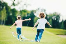Ce pot face parintii nevoiti sa revina la munca si nu au cu cine sa-si lase copiii
