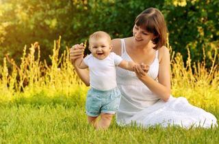 Cum sa-ti petreci vara cand ai un copil nou-nascut