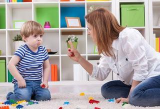 Esti un parinte dur si restrictiv? Ai grija! Copilul tau va deveni un rebel