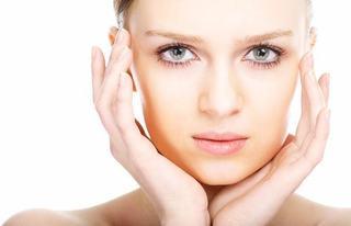Frumusete femei: afla totul despre liftingul facial
