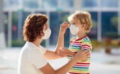 De ce la copii riscul sa dezvolte coronavirus este mai scazut? Explicatia specialistului