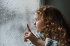 Ce poti face cand copilul tau este trist? Recomandari de la psiholog