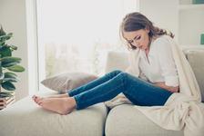 Sindromul premenstrual la adolescente. Explica-i la ce ar trebui sa se astepte!