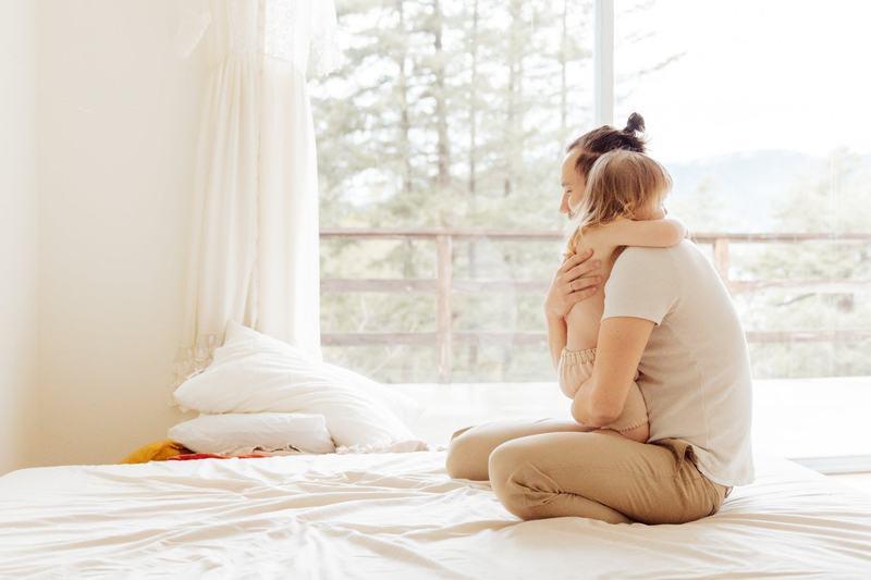 6 semne ca trebuie sa-i oferi copilului tau mai multa dragoste