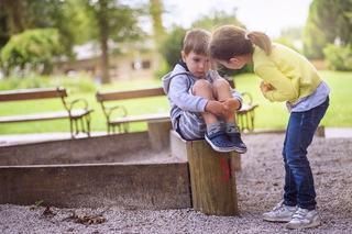 Cum sa cresti copii carora sa le pese de ceilalti oameni