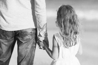 Povestea unui tata a impresionat internetul. Ce gest emotionant a facut pentru fiica lui