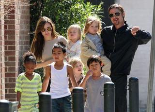 7 sfaturi pentru parinti de la cuplul Jolie-Pitt