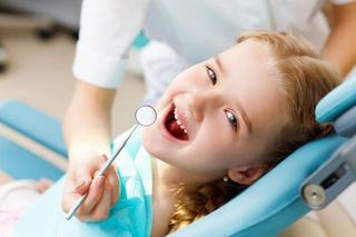 6 semne ale cariei dentare care ar trebui sa ne trimita la stomatolog