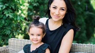 Andra, criticata dur de parinti dupa ce a postat o imagine cu fiica ei pe Facebook