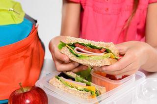 5 idei de sandvisuri sanatoase pentru scoala